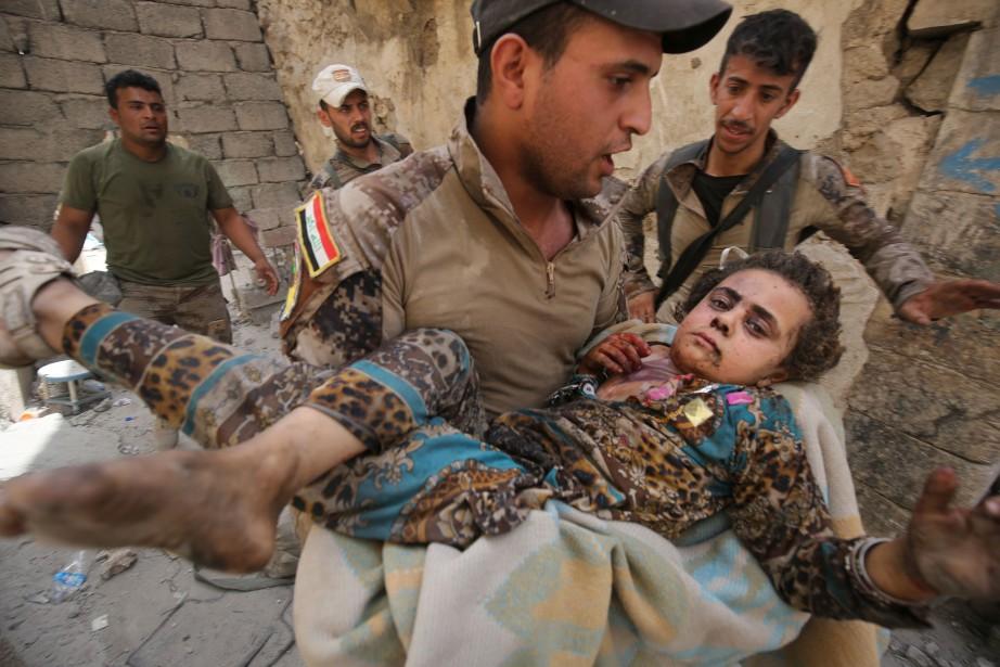 À mesure qu'ils perdent du terrain, les djihadistes... (PHOTO AFP)