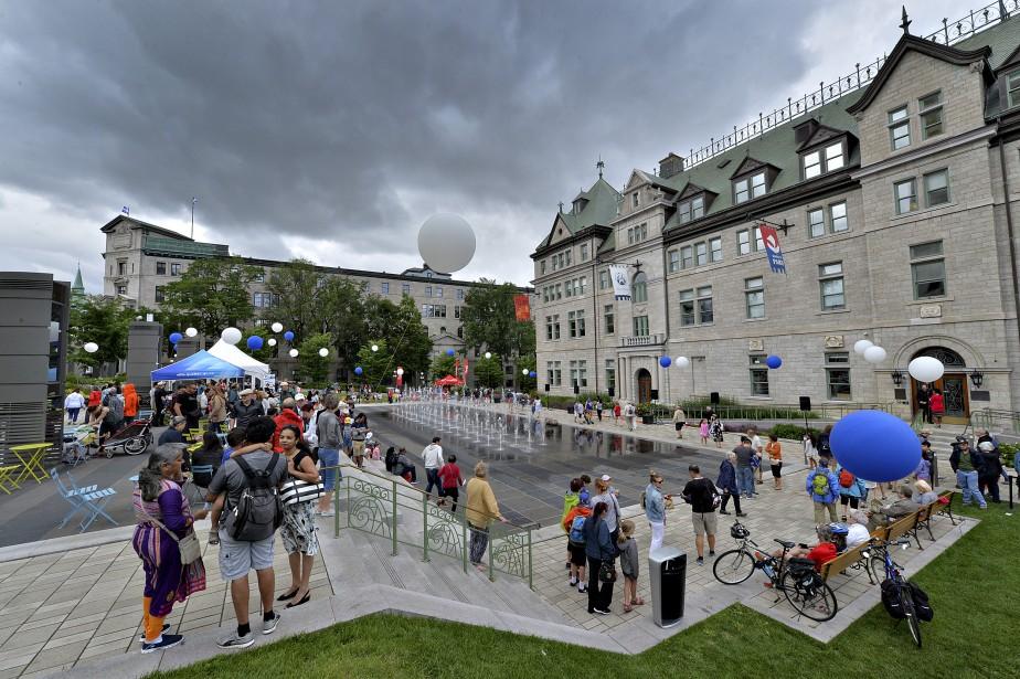 Plusieurs personnes ont assisté à des spectacles artistiques lundi à l'occasion du 409 e  anniversaire de la fondation de Québec. | 3 juillet 2017