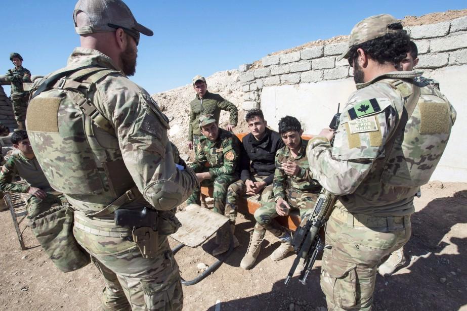 Le Canada compte actuellement environ 2000 soldats dans... (Archives La Presse canadienne)