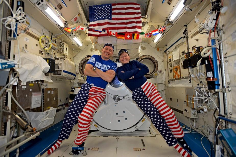 Les astronautes Jack Fischer et Peggy Whitson à bord de la station spatiale internationale | 4 juillet 2017