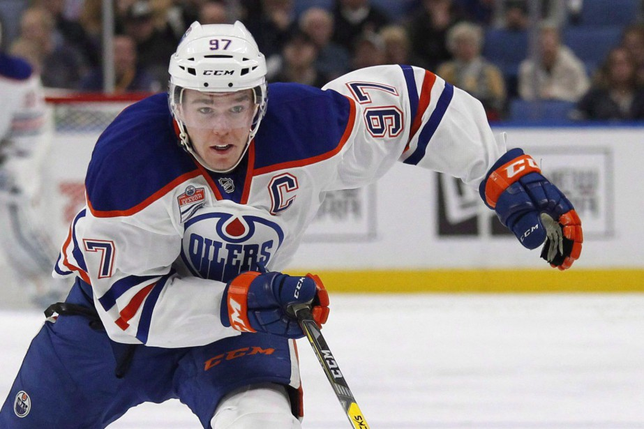 Connor McDavid... (La Presse canadienne, Jeffrey T. Barnes)