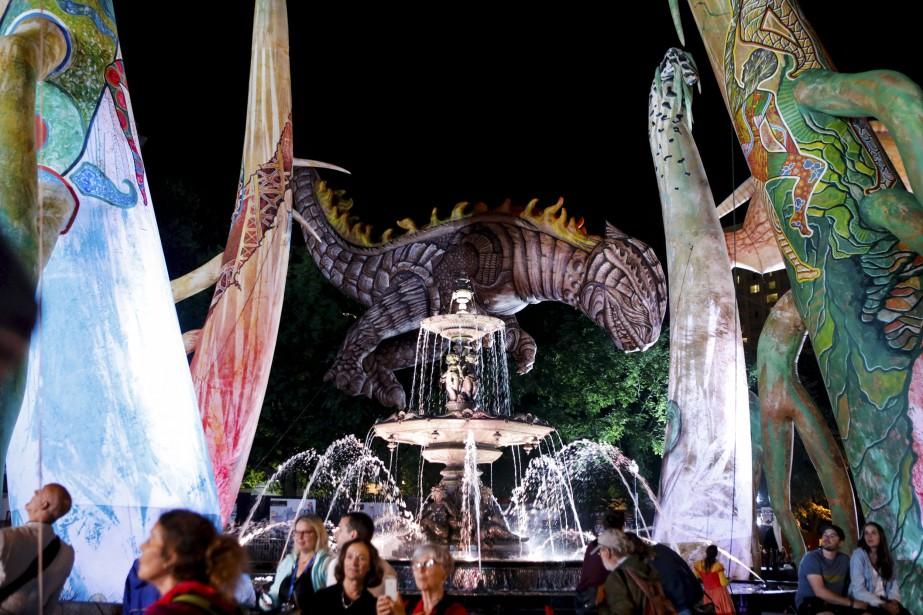 Les Plasticiens volants, fontaine de Tourny,7 juillet   8 juillet 2017