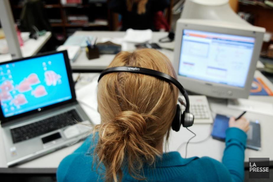 Une enseignante travaillant à Alloprof.... (Photo d'archives)
