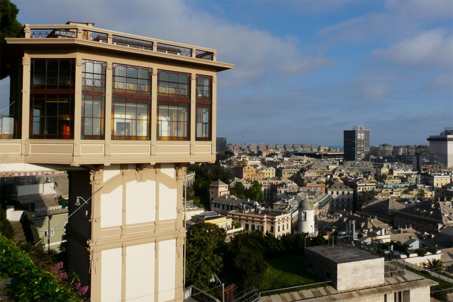 L'ascenseur de Castelletto... (Photo Béatrice Leproux, collaboration spéciale)