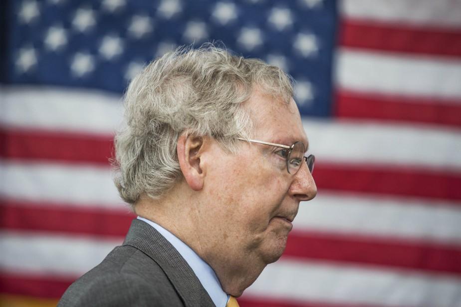 Le chef de la majorité sénatoriale, Mitch McConnell,... (PHOTO AP)