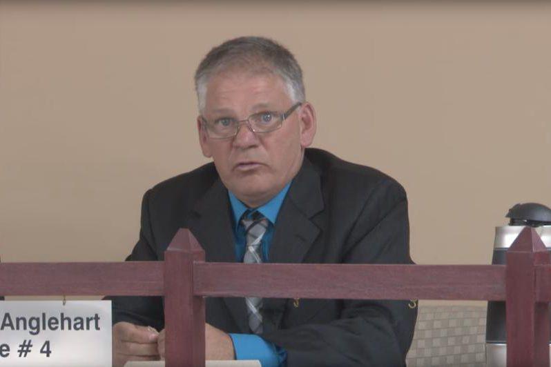 Le conseiller municipal Bertrand Anglehart sera suspendu 30... (Image tirée d'une vidéo de TVCGR)