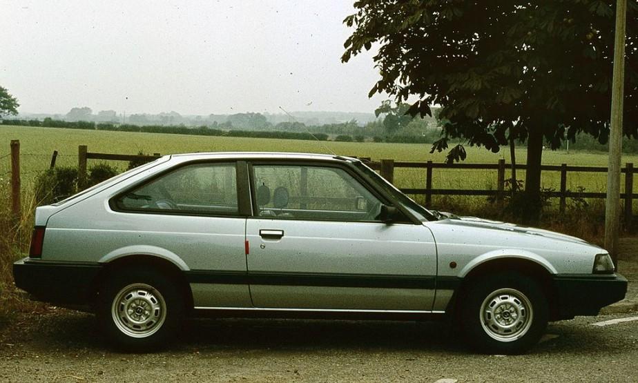 <strong>Sa première voiture :</strong> Une Honda Accord à hayon1985. Il avait acheté une veste Honda et des gants de cuir avec des trous aux jointures. (Photo tirée de Wikipedia)