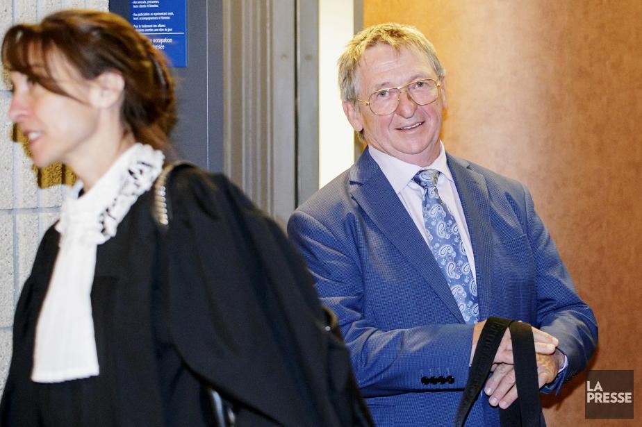 Alain Charron était tout sourire lorsqu'il est sorti... (PHOTO ALAIN ROBERGE, LA PRESSE)