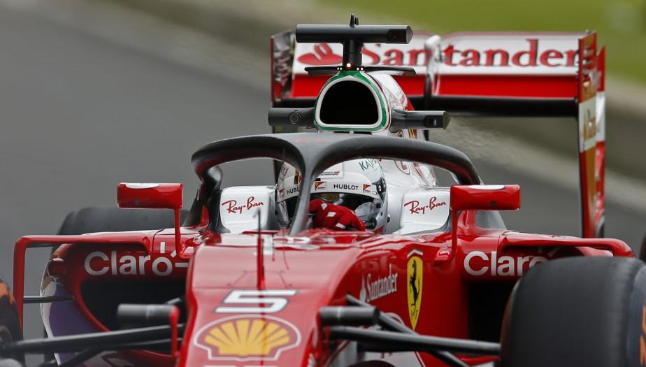 L'an dernier, Vettel avait aussi prêté ses services pour les essais d'un autre dispositif visant à protéger la tête des pilotes, le «halo». (REUTERS)
