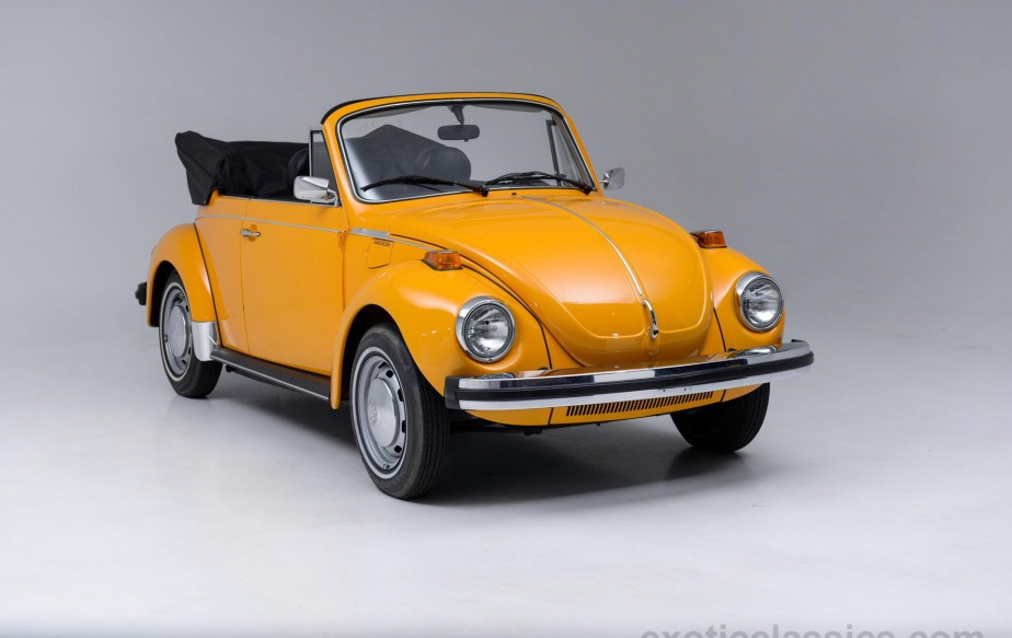 1977 : une Beetle descendante de la Type 1, en version décapotable ()