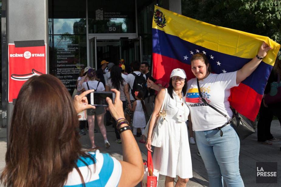 Plus de 4000expatriés vénézuéliens se sont rendus dimanche... (PHOTO ROBERT SKINNER, LA PRESSE)