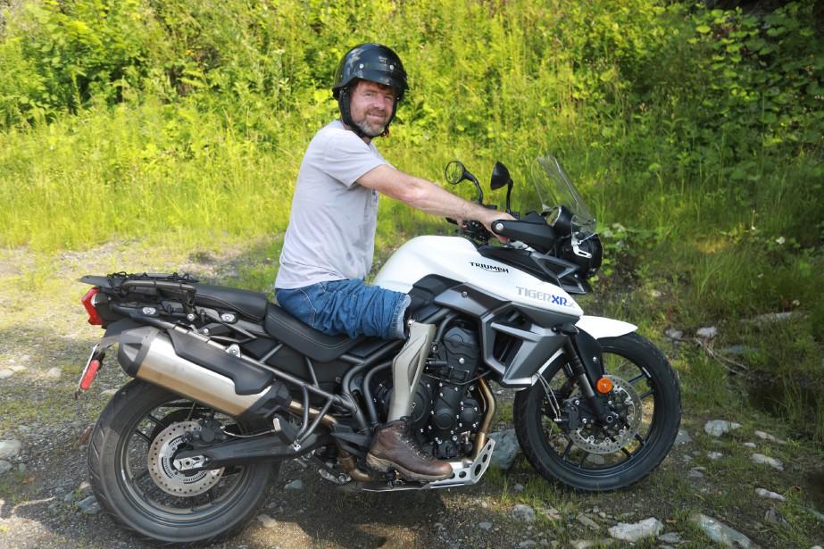 Rien n'arrête Dean Hadd. Le Waterlois est le premier Québécois à rouler à moto à la suite de l'amputation partielle de sa jambe droite causée par un accident | 17 juillet 2017