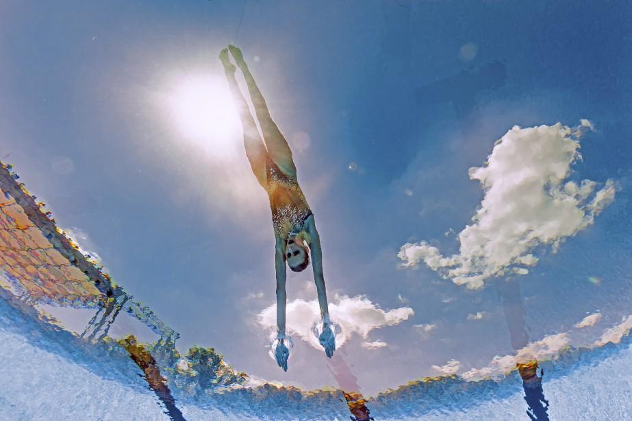 La nageuse russe Mikhaela Kalancha est captée sous l'eau lors de sa performance à la finale technique mixte des Championnats mondiaux de la FINA 2017 à Budapest, en Hongrie. | 17 juillet 2017