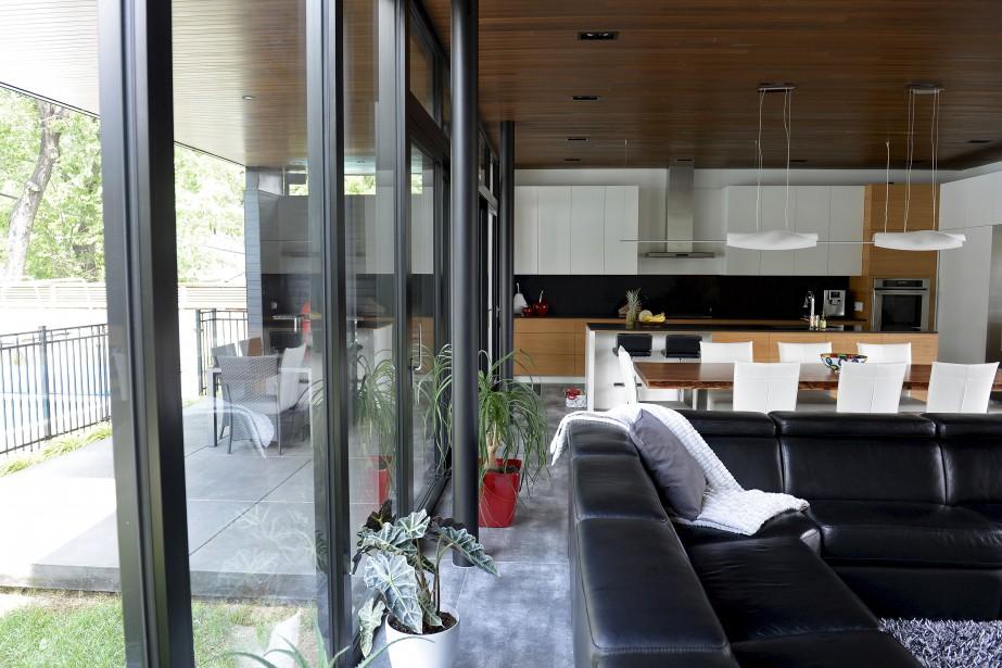 Le plancher de céramique se prolonge sur la terrasse. (Le Soleil, Yan Doublet)