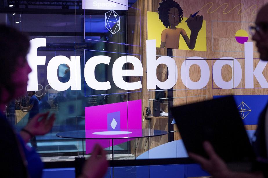 Facebook travaille actuellement avec des éditeurs pour leur... (PHOTO AP)