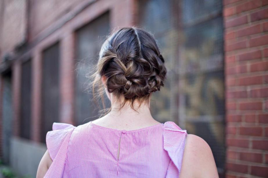 Le chignon romantique convient pratiquement à tous les... (Photo Olivier Jean, La Presse)