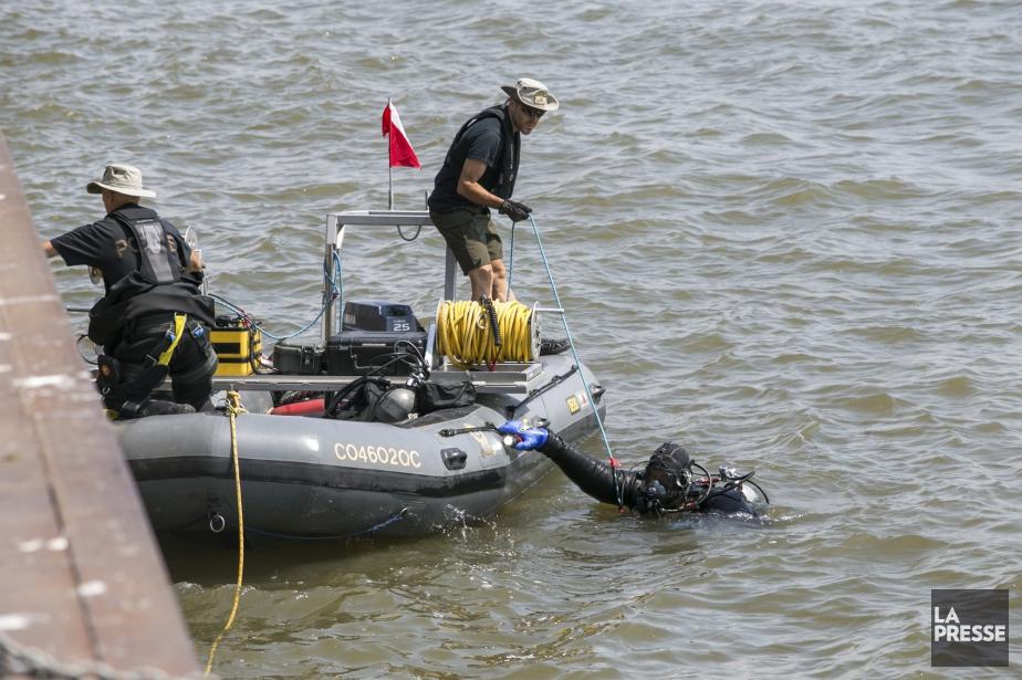 Les plongeurs de la SQ ont localisé l'une... (Photo Olivier Croteau, Archives La Presse)