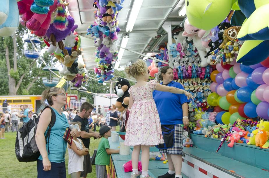 Les traditionnelles arcades étaient de retour cette année pour le plus grand plaisir des visiteurs. (Spectre média, Stéphanie Vallières)