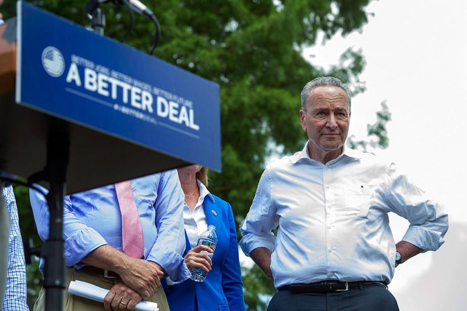 Le leader de la minorité au Sénat, Chuck... (PHOTO CLIFF OWEN, ASSOCIATED PRESS)