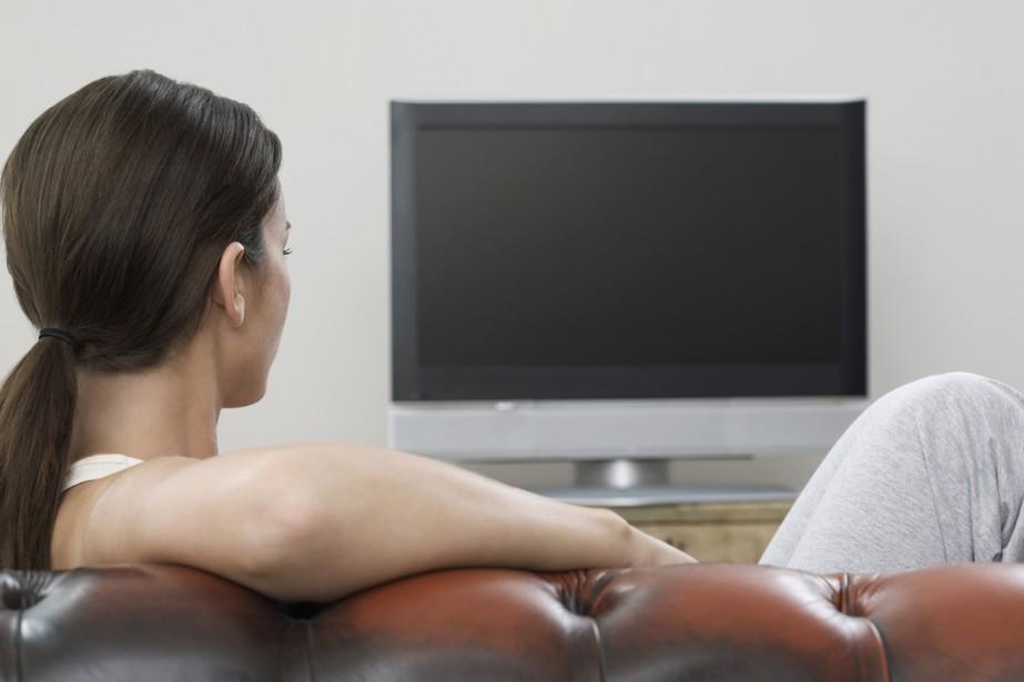 Les Canadiens continuent à délaisser la télévision... (PHOTO THINKSTOCK)