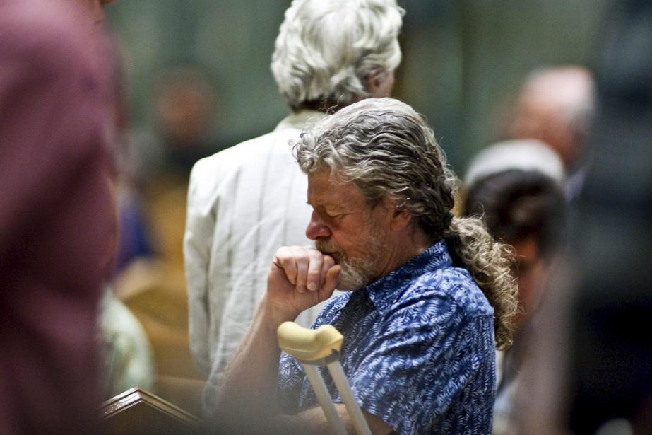 En août 2010, Henri Provencher assiste à une messe commémorative pour sa petite-fille qui a lieu au sanctuaire Notre-Dame-du-Cap. | 30 juillet 2017