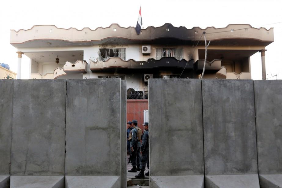Il s'agit de la première attaque contre l'ambassade... (PHOTO REUTERS)