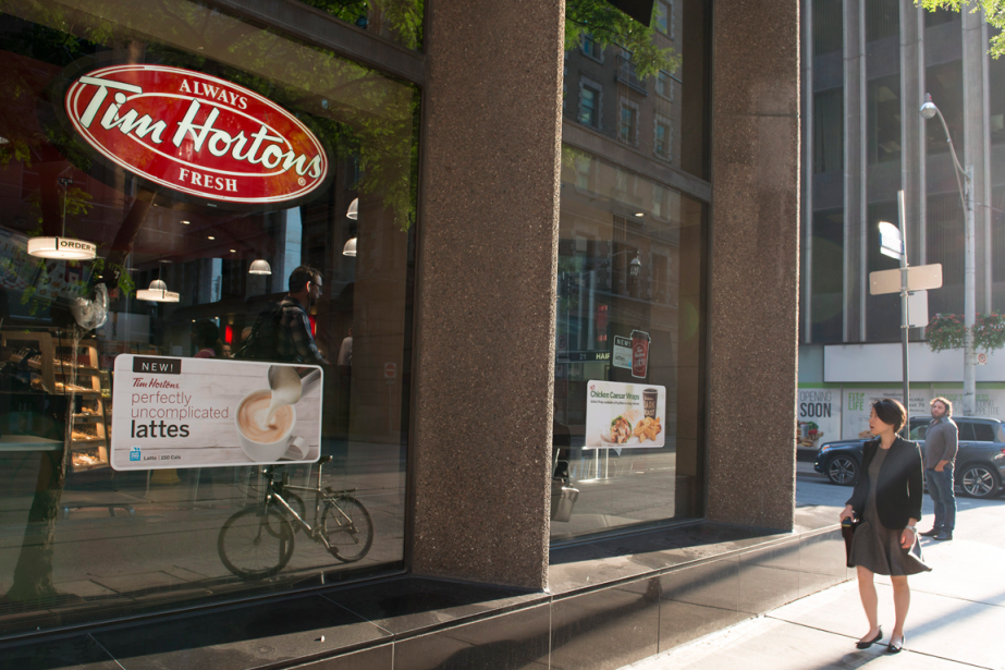 Les ventes des cafés Tim Hortons ouverts depuis... (Photo Doug Ives, PC)