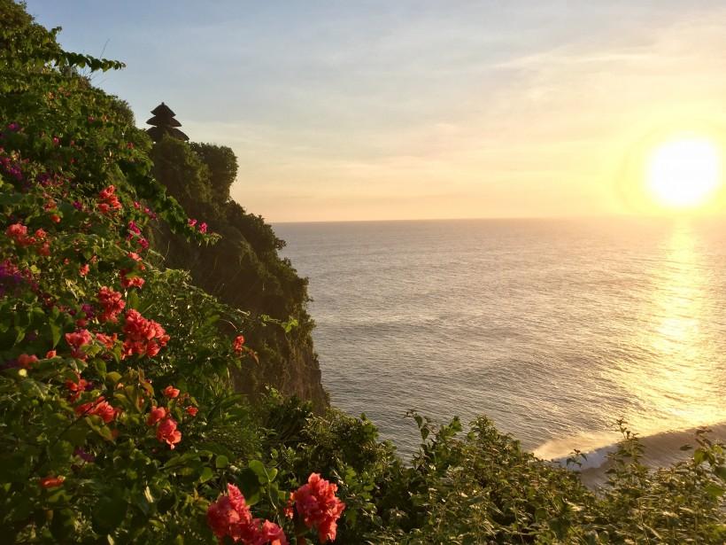 La vue sur la mer, du temple d'Uluwatu (collaboration spéciale Nadielle Kutlu)