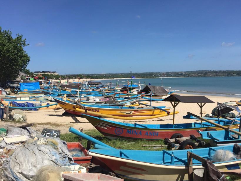 Des bateaux de pêcheurs au village du Jimbaran (collaboration spéciale Nadielle Kutlu)