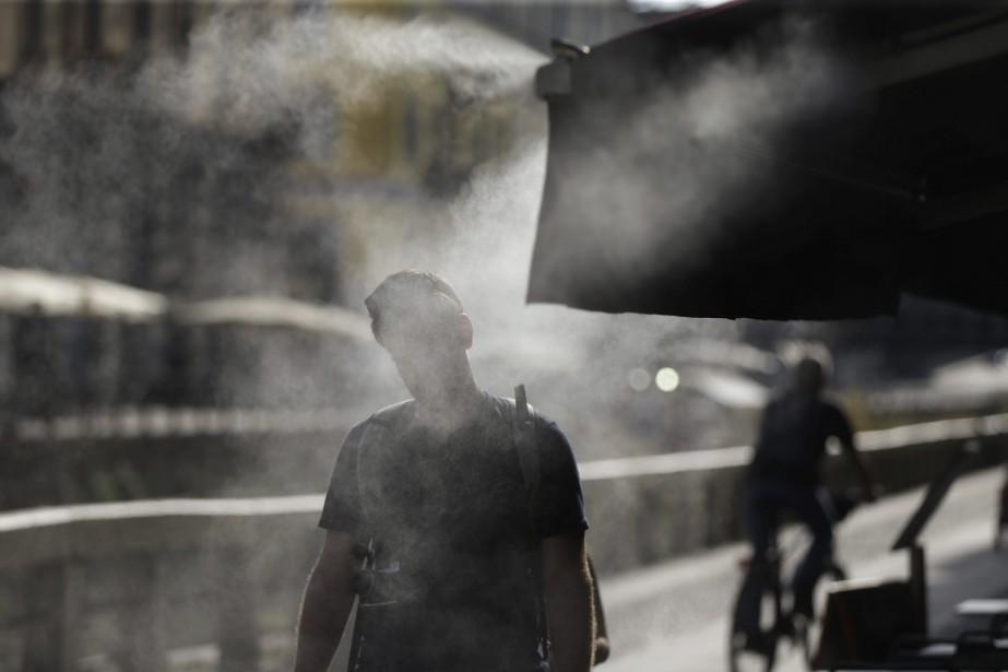 Les vagues de chaleur et autres phénomènes extrêmes... (Photo AP)
