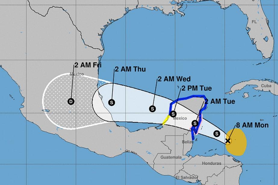 La tempête tropicaleFranklindevrait arriver au Yucatan lundi soir,... (CAPTURE D'ÉCRAN WWW.NHC.NOAA.GOV)