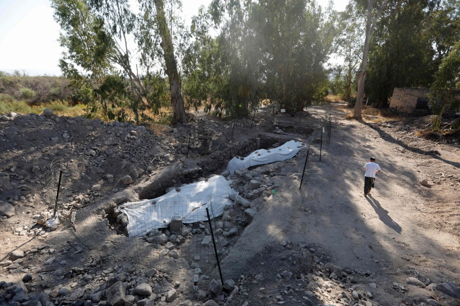 Le site fouillé, non loin de l'endroit où... (Photo Menahem Kahana, Agence France-Presse)