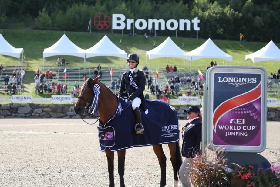 Isabelle Lapierre a fait plaisir à la foule en devenant la première Québécoise à remporter l'étape bromontoise de la Coupe du monde FEI de sauts d'obstacles à l'International Bromont. | 8 août 2017