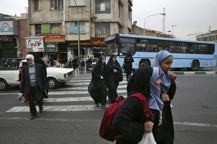 Les femmes du groupe sont accusées d'avoir dansé... (Photo Vahid Salemi, archives AP)