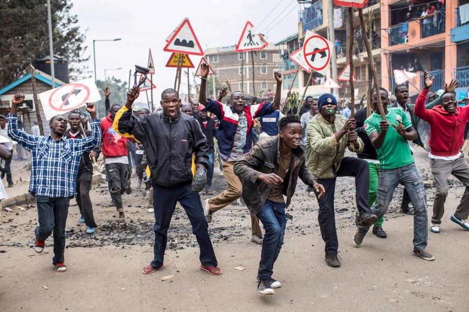 Des supporters du candidat d'opposition à la présidence du Kenya...   2017-08-09 00:00:00.000