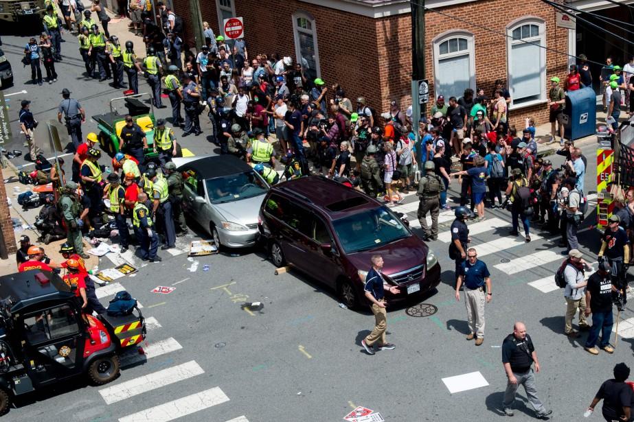 Rassemblement de la droite radicale en Virginie: une voiture percute la foule, un mort | Eleonore SENS | États-Unis