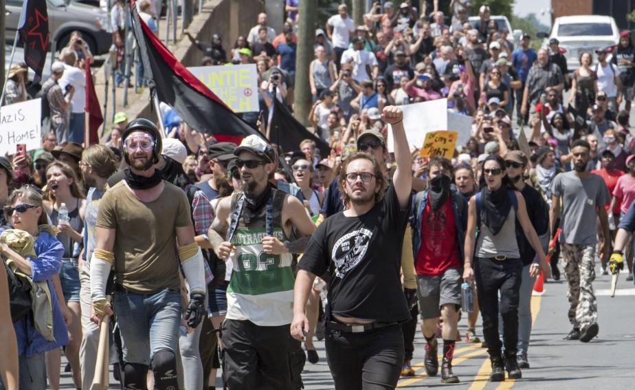 Des suprémacistes blancs manifestent à Charlottesville. | 12 août 2017