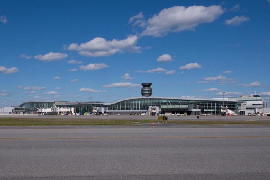 L'aéroport de Québec accueille deux fois et demie... (PHOTO JACQUES BOISSINOT, COLLABORATION SPÉCIALE)