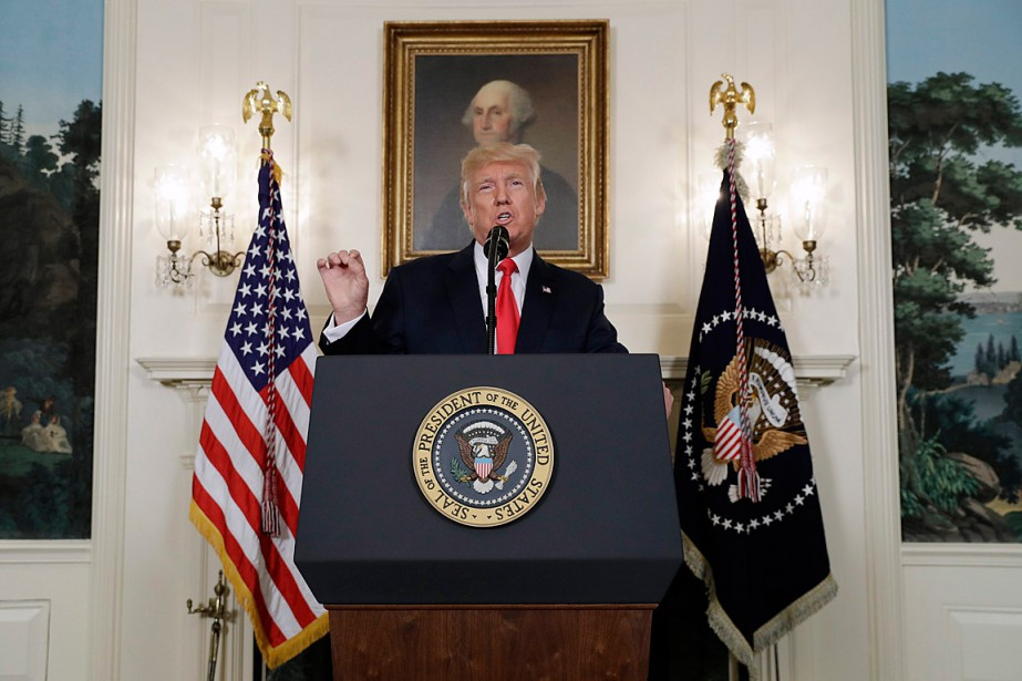 Donald Trump a condamné les «suprémacistes blancs, le... (PHOTO EVAN VUCCI, ASSOCIATED PRESS)