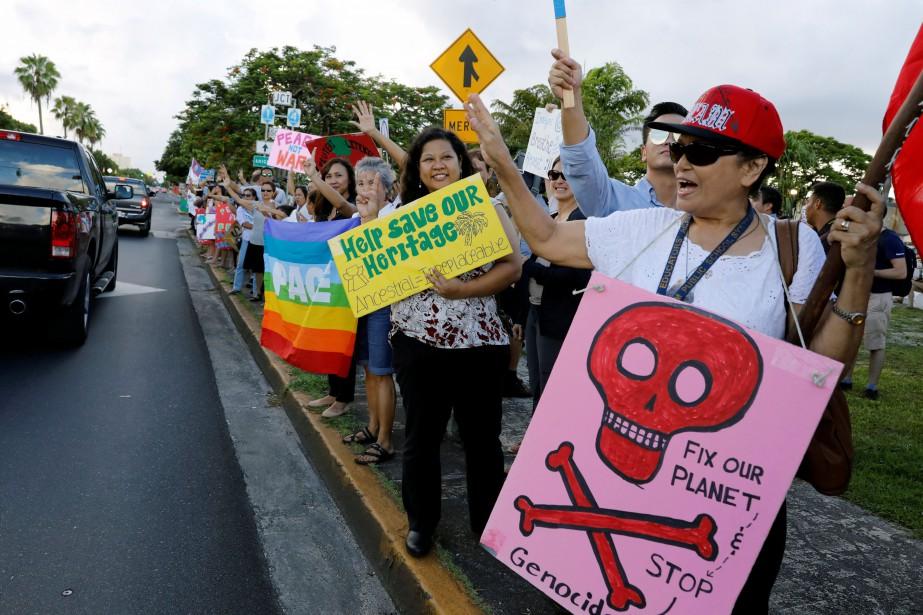Manifestation de pacifistes à Guam, dimanche, en réaction... (PHOTO REUTERS)