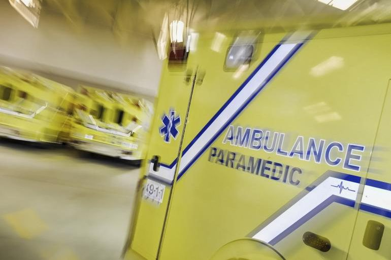 Un automobiliste a mortellement percuté un homme à... (photo archives la tribune)