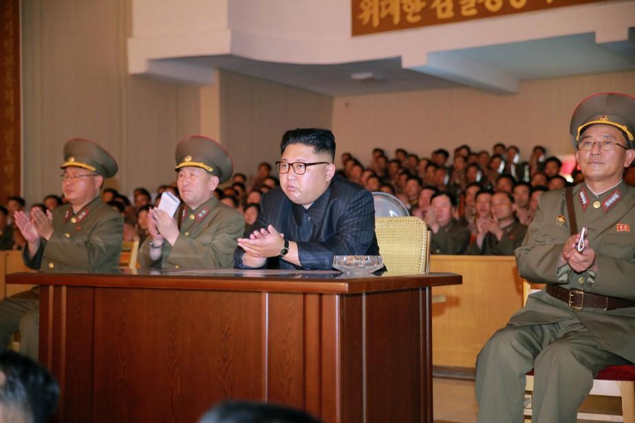 Le dirigeant nord-coréen Kim Jong-Un a annoncé mardi... (REUTERS)