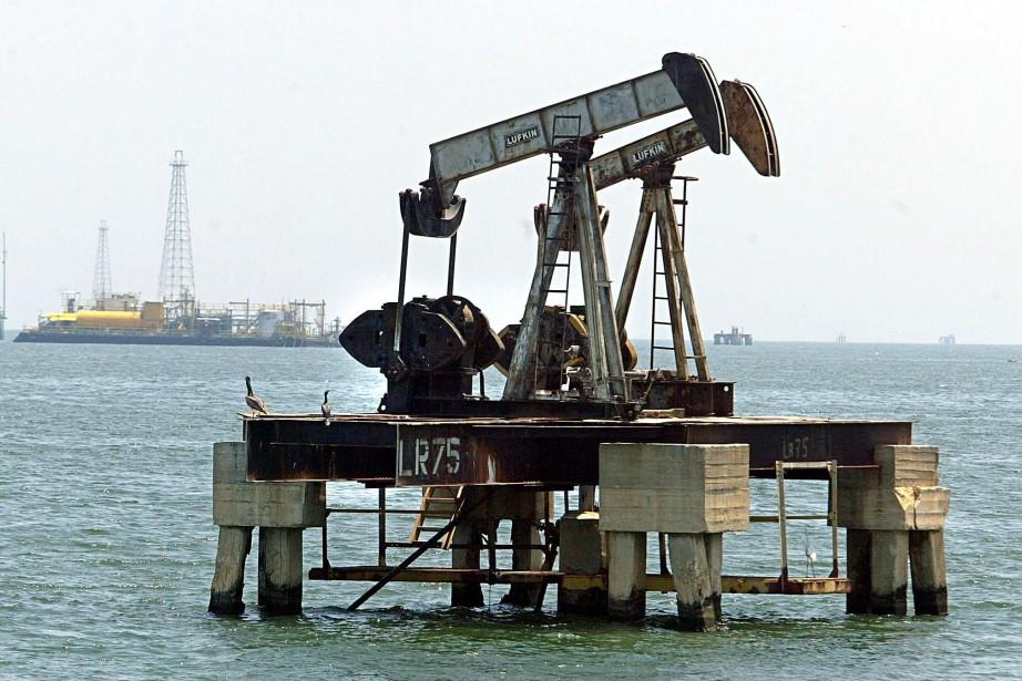 Les cours du pétrole ont terminé proche de... (Photo Juan Barreto, archives AFP)