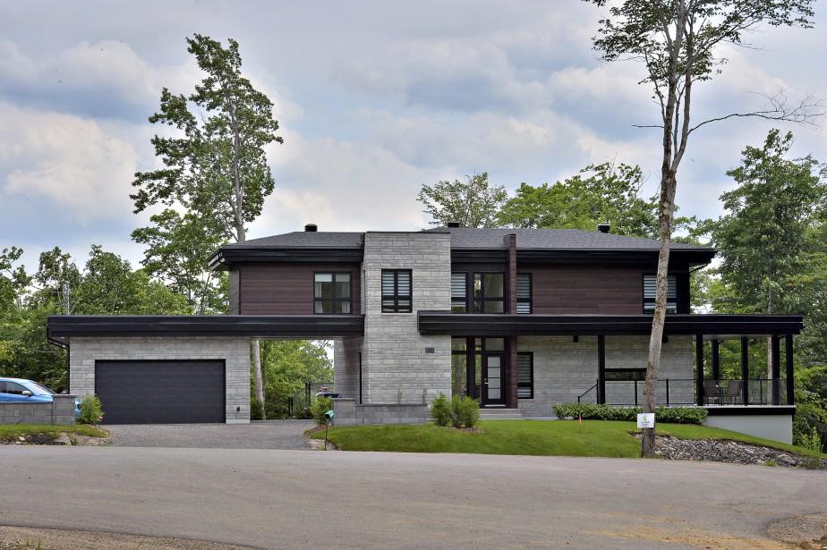 La maison, réalisée par Construction McKinley, a gagné un prix Nobilis dans la catégorie Habitation neuve unifamiliale, de 500 000 $ à 700 000 $. (Le Soleil, Patrice Laroche)