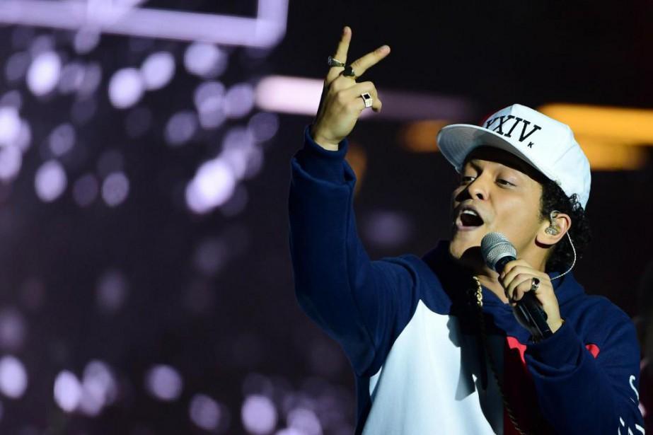 Le chanteur américain Bruno Mars donnera bientôt un... (PHOTO ARCHIVES AFP)
