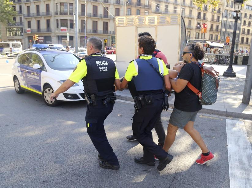 La police locale fait état de dizaines de blessés, dont plusieurs graves. (AP)