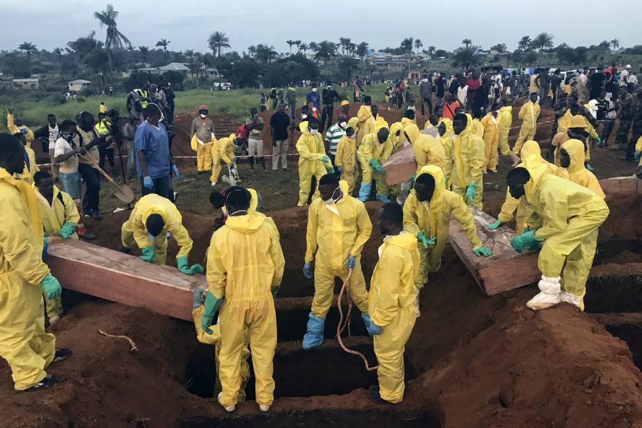 Le bilan précédent faisait état de 441 morts,... (Photo AP)