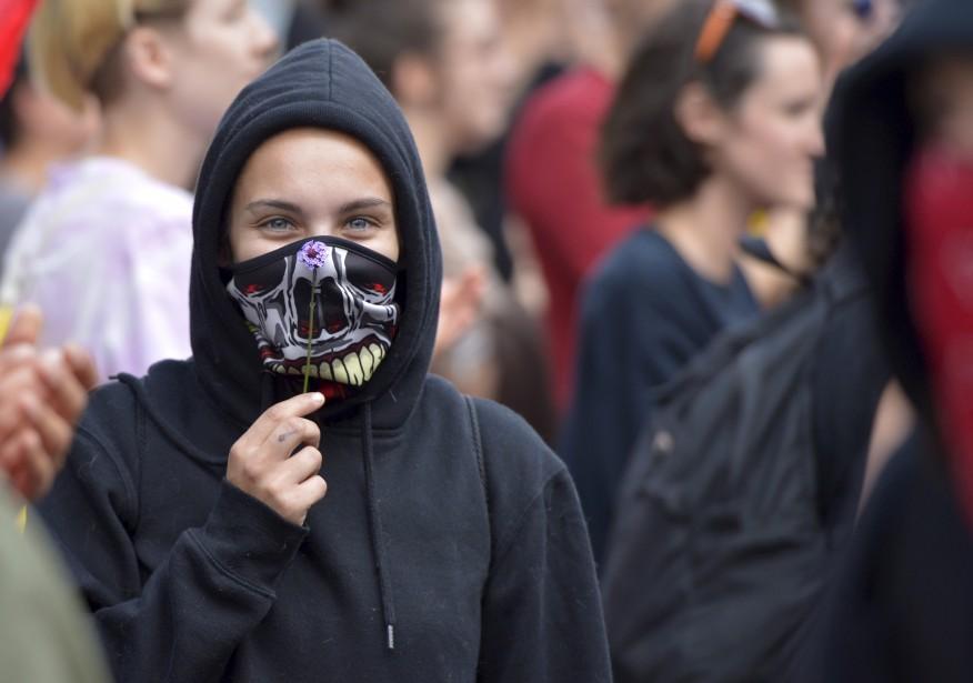 Une manifestante avec le groupe pro-immigration | 20 août 2017