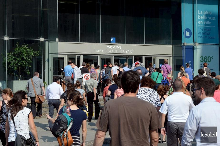 Les employés du complexe G ont été évacués... (Le Soleil, Erick Labbé)