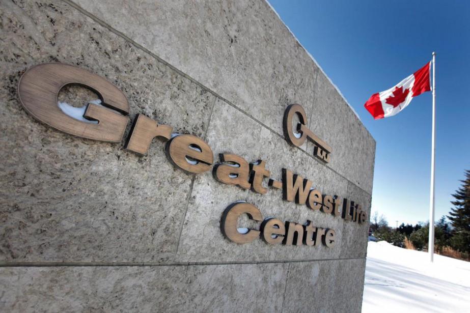 Un groupe d'employés de l'entreprise de télécommunications Shaw... (Photo archives La Presse Canadienne)
